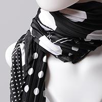 Desenli Saten Fular Eşarp Pliseli - Siyah Beyaz - Thumbnail
