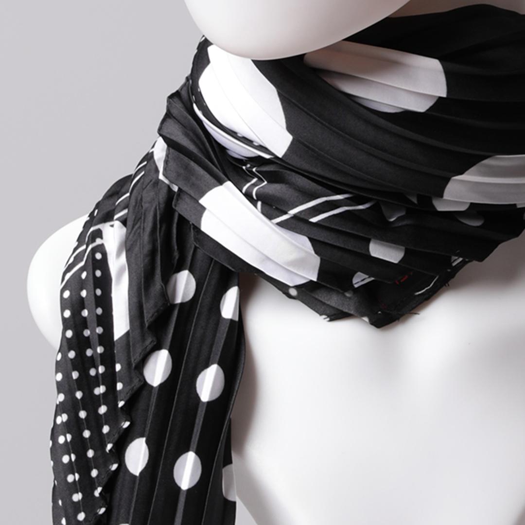 Desenli Saten Fular Pliseli - Siyah Beyaz