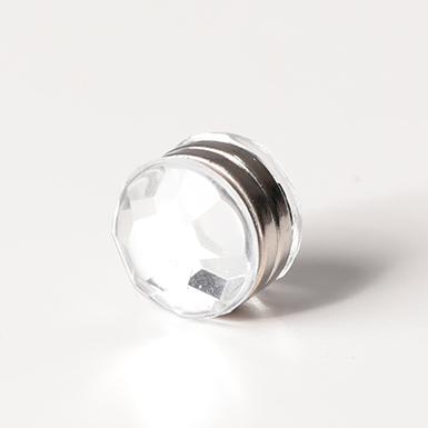 ipekistanbul - Mıknatıslı Eşarp Klipsi - Kristal - Beyaz